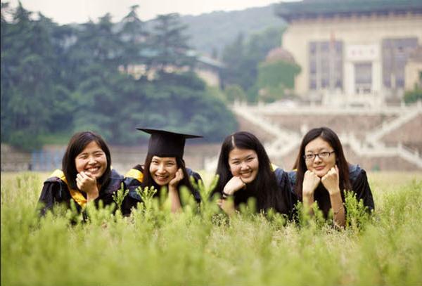如何让毕业照与众不同?拍照创意全攻略学起来! 摄影爱好 第2张